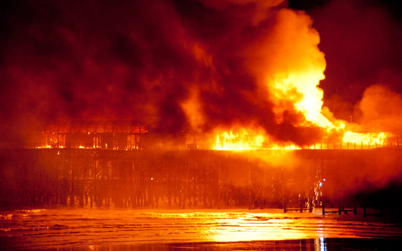 Hastings pier fire, 2010, Andy Wilson