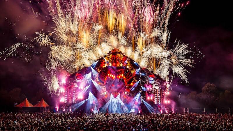 Mysteryland 2015 end show, Q-dance
