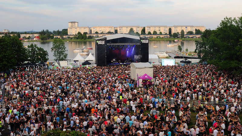 Swedish music festivals hit by reports of rapes by 'migrants'