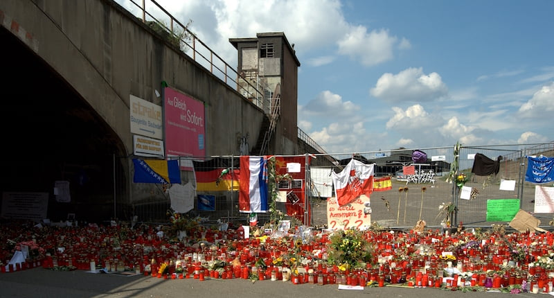 Love Parade memorial, Duisburg, Carschten