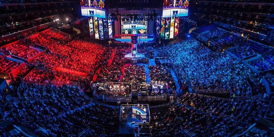 Perfect North American League Of Legends Championships. Competition Is Hotting Up  In Esports As Madison Square Garden ...