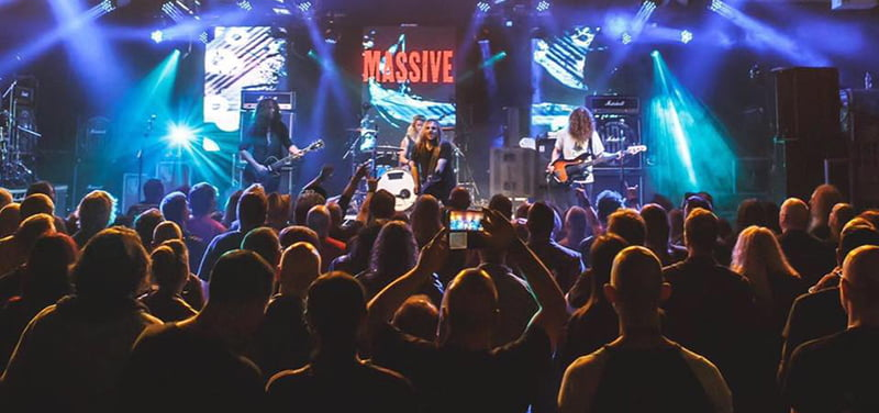 Australian hard rockers Massive play Hard Rock Hell 2016
