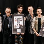 stereophonics receiving the plaque