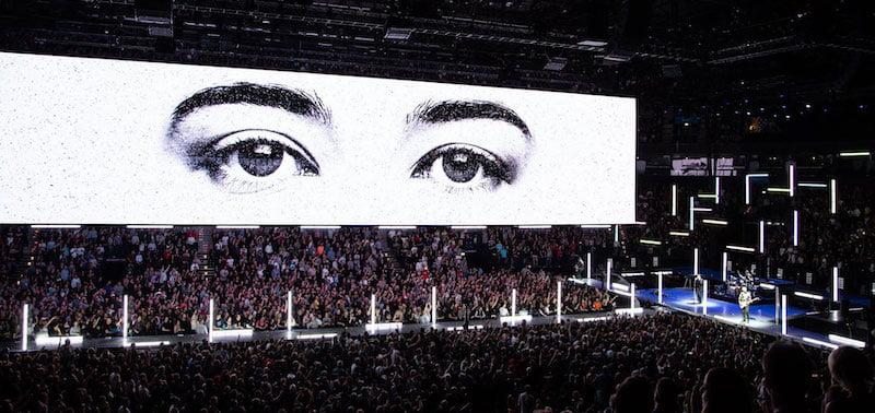 The eXPERIENCE + iNNOCENCE tour visits Barclaycard Arena Hamburg