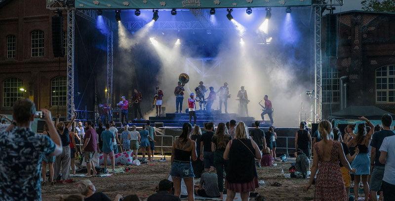 'Techno marching band' Meute played Picknick-Konzerte last summer