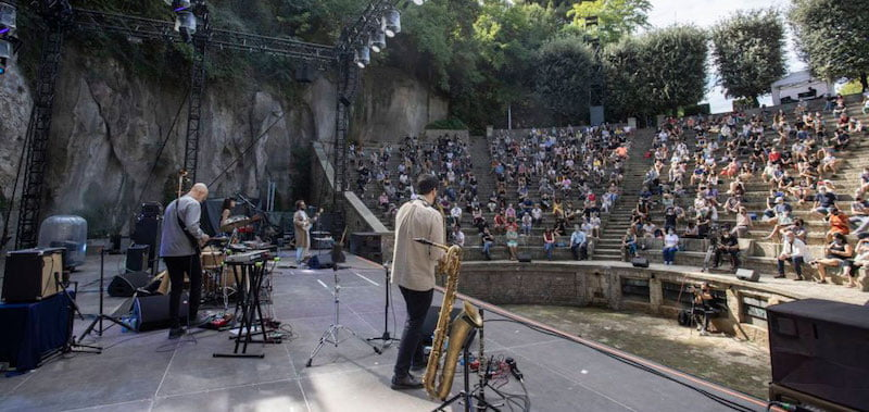 Seward perform at Barcelona's Greek Theatre for La Mercè és música 2020